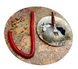 Collier Salamandre en Bronze Doré et Plastique Rouge, Assiette Papillon en  Découpage sous Verre, Fourchette à Gateau Tokyo et Set de Table en Liège