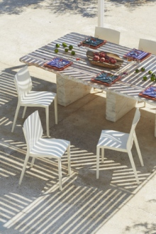 Table Dressée pour un déjeuner de Barbuc', par Christophe Dugier