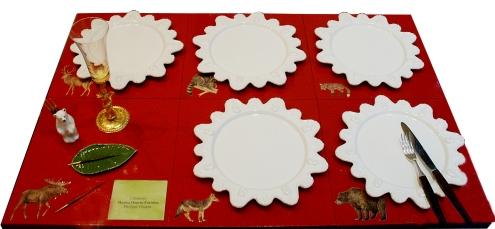 Table avec Assiettes Palmyre et Set de table en Bois Décoré de Découpage à Thèmes d'Animaux de Forêt