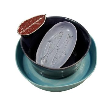 Plats au Tour à potterie, Coupelle Sardine en Faïence Estampée et Feuille de Citronnier en Faïence Coulée. Faïence Multicolore - SIÈCLE Paris